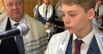 O BAR-MITZVÁ DE FILIPE CHANIS